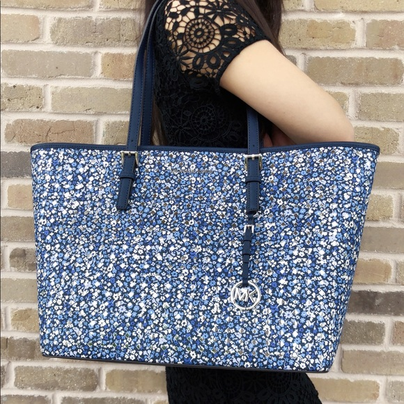 9edfc343be93 Michael Kors Large Carryall Tote Blue Floral